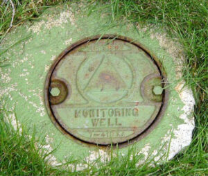 Monitoring well cover